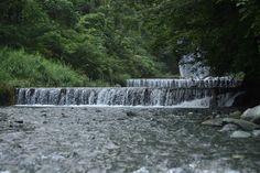引き続き、秦野市戸川にある滝沢園キャンプ場で、早朝の水無川を撮りました。記録的な連日の降雨が続いていたため、川の水量も多くなっています。 久 Photography Portfolio, Niagara Falls, Waterfall, Nature, Travel, Outdoor, Outdoors, Naturaleza, Viajes