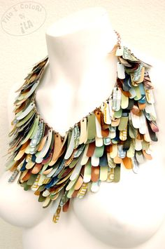 Upcycled Fashion necklace handmade from PET plastic paper - green grey brown sage rust autumn fall multicolor sequins statement jewellery design Paper Jewelry, Textile Jewelry, Fabric Jewelry, Paper Beads, Jewelry Crafts, Jewelry Art, Jewelry Design, Textiles, Do It Yourself Jewelry