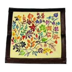 Dompet Lukis Flower Edition 1 - http://www.slightshop.com/produk/dompet-lukis-flower-edition-1/