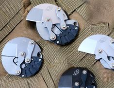 This Knife Fits in the Coin Pocket of Your Pants One Dollar, Dollar Coin, Lego Candy, Mens Gear, Knives And Swords, Hiking Gear, Survival Knife, Cool Tools, Toys For Boys