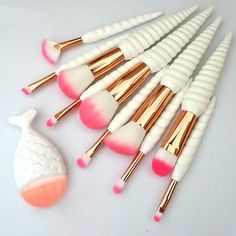 Unicorn Horn Make Up Brush Set What's Makeup ? What is Makeup ? In general, what is makeup ? Affordable Makeup Brushes, Best Makeup Brushes, Best Makeup Products, Beauty Products, Make Up Kits, Eyeshadow Makeup, Lip Makeup, Eyeliner, Teen Makeup