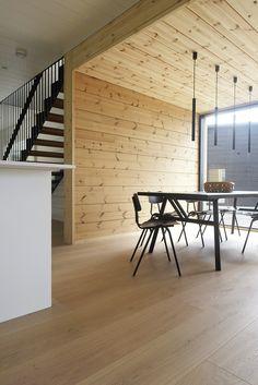 Kohde 19 Talo Markki - Tammi 270 mm Handwashed SNÖHETTA Cabins In The Woods, Log Homes, Contemporary, Modern, Finland, Kitchen Dining, Floors, Beach House, Cottage