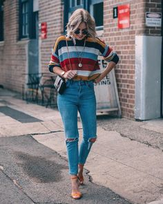 """2,858 Me gusta, 74 comentarios - ★ LIAN GALLIARD (@liangalliard) en Instagram: """"There's this thing happening with me and striped knits ✨ This new one is from @boohoo ✔️"""""""