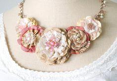 Blush collar de flores de tela rosa collar de declaración