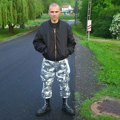 Mode Skinhead, Skinhead Men, Skinhead Boots, Skin Head, Black Laces, Tall Boots, White Lace, Sexy Men, Guys