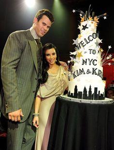 Pin for Later: Kim Kardashian, de Party Girl à Hot Mama  Kim et Kris à NYC en Août 2011.
