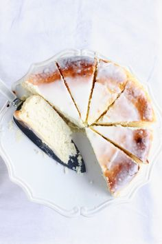 Polish Cheesecake with a light powdered sugar frosting. Easy Cheesecake Recipes, Fruit Recipes, Sweet Recipes, Dessert Recipes, Cooking Recipes, Simple Cheesecake, Classic Cheesecake, Cooking Ideas, Lemon Cheesecake