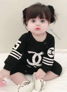 New funny baby girl pictures children ideas Cute Baby Boy Photos, Cute Kids Photos, Cute Little Baby Girl, Cute Baby Videos, Cute Girls, Cute Babies, Cute Baby Girl Wallpaper, Cute Kids Photography, Cute Baby Clothes