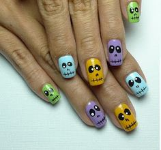 easy Halloween nail design!  Very nice for Halloween. Not TOO huge of effort for it either. I like!