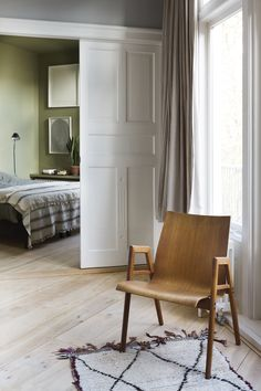 Wooden chair in the home of interior architect Stef Bakker | Coffeeklatch