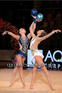 Arina & Dina AVERINA (Russia) ~ Ball @ Gala Show after GP Bukarest 2016 Photographer Bernd Thierolf.