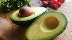 New Study Offers Yet Another Reason to Eat Avocados from Food Network Healthy Fats, Healthy Eating, Healthy Recipes, Pizza Raclette, Avocado Health Benefits, Tacos And Tequila, Filling Food, Nutrition, Good Fats