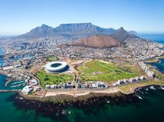 Aerial view of Cape Town. Overall aerial view of Cape Town, South Africa , South Africa Tours, Cape Town South Africa, Holiday Destinations, Vacation Destinations, Cool Places To Visit, Places To Go, Cap Vert, Sites Touristiques, Most Beautiful Cities