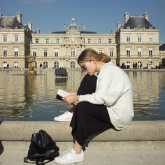 Reading in paris is a dream Summer Aesthetic, Photo Instagram, Dream Life, Dream Job, Summer Vibes, Folk, France, Photoshoot, In This Moment