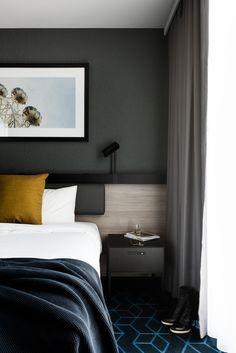 Bedroom Lighting Design Modern 34 New Ideas Australian Interior Design, Interior Design Awards, Room Interior Design, Contemporary Interior, Hotel Bedroom Design, Home Decor Bedroom, Design Hotel, Entryway Decor, Lounge Design