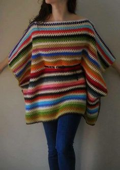 crochet Folk poncho ---- this is very cool, but i don't know if i could pull off wearing those horizontal stripes :) Crochet Blouse, Crochet Scarves, Crochet Shawl, Crochet Clothes, Mode Crochet, Diy Crochet, Crochet Top, Poncho Shawl, Knitted Poncho