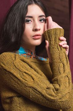 Start knitting this collection of 20 dramatic, beautiful, and smart designs in the fall issue of knitscene! Knit Vest Pattern, Sweater Knitting Patterns, Knitting Designs, Knit Patterns, Cable Knitting, How To Start Knitting, Fall 2018, Simple Pattern, Needlework