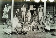 Robert and Emma Stevenson, and their friends and others at home on Samoa. Source: janesoceania.com