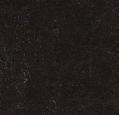 Le Marmoleum Click est comme le lino, un revêtement de sol fabriqué à partir de produits naturels (huile de lin, farine de bois...). Facile à installer, elle vous permettra d'exprimer librement vos envies.   La pose en dalle clipsable permet de varier les couleurs de lino et créer un sol tendance.    Le Marmoleum en dalle rend accessible à tous un produit sain et naturel et vous fera oublier le balatum de vos grand-mères. Dalles 30x30cm.