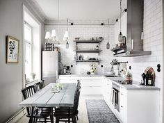 idées super chic sur la déco scandinave de la cuisine ouverte sur le coin repas