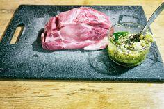 2 schweinenackenbraten Ethnic Recipes, Food, Napkins, Roasts, Recipes, Meals, Yemek, Eten