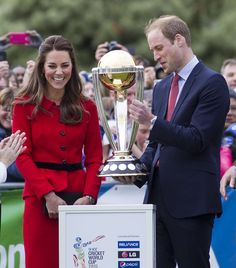 Will and Kate were all smiles when they checked out the Cricket World | Will and Kate's Cutest Snaps of the Year | POPSUGAR Celebrity Photo 13