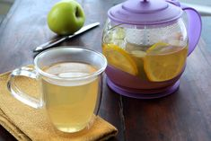 Fresh Ginger and Lemon Infused Green Tea with Honey - Pots and Pans Ginger Slice, Fresh Ginger, Green Tea And Honey, Help Losing Weight, Honey Lemon, Fat Burning Foods, Weight Loss Drinks, Home Recipes, Tea Pots