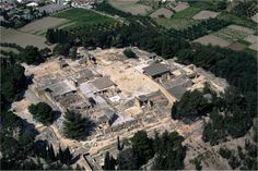 Knossos, Crete - aerial view of the palace ruins  (1502×1000)