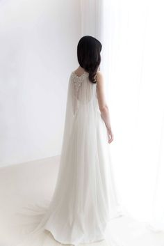 1 : If you want the dress, it will be not include any accessories such as gloves, wedding veil and the crinoline petticoat ( show on the pictures). This item only for the veil. Wedding Cape Veil, Bridal Cape, Wedding Veils, Ivory Wedding, 2018 Wedding Trends, Veil Length, Minimalist Wedding Dresses, Chic Vintage Brides, Floral Headpiece