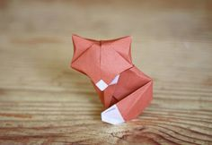 DIY petit renard en papier (origami) - Thi Doan - Image Sharing World Diy Origami, Cute Origami, Origami And Kirigami, Origami Paper Art, Origami Tutorial, Diy Paper, Paper Crafts, Origami Ideas, Origami Butterfly