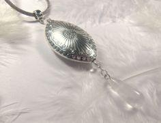 Collier-pendentif en pierres semi-précieuses de cristal de roche Cordon gris argent offert : Collier par lapassiondisabelle