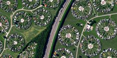 Brøndby Haveby is a residential community located just outside Copenhagen, Denmark. Houses with large front yards are centered around cul-de-sacs, providing urban dwellers the opportunity to live. Earth Day Quiz, Aerial Images, Urban Fabric, Pyramids Of Giza, Birds Eye View, Aerial Photography, Foto E Video, City Photo, Madrid
