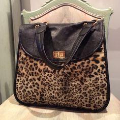 0b6e6af62a2 317 Best Bag Envy images   Envy, Handbags, Accessories