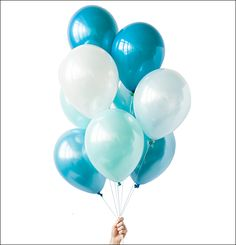Blue and white ombre of balloons perfect for ocean themes, mermaids, unicorns and baby boy showers and first boy birthdays. Designed by Luft Balloons in Chicago. Blue Ballons, Bubble Balloons, Up Balloons, White Balloons, Latex Balloons, Birthday Balloons, Bubbles, Baby Boy Birthday, Blue Birthday