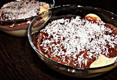 Réteges kókuszos-pudingos piskóta Tiramisu, Acai Bowl, Food And Drink, Pudding, Sweets, Breakfast, Baba, Minden, Erika