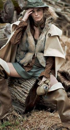fashion editorials, shows, campaigns & more!: tendenze camouflage: emma stern nielsen and maritza veer by cedric buchet for elle italia september 2014 Military Chic, Military Fashion, Portfolio Mode, Fashion Art, Editorial Fashion, Editorial Photography, Fashion Photography, Safari Chic, Moda Boho