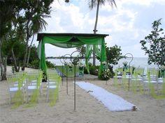 Green theme for destination wedding in Dominican Republic