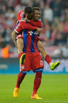 Jerome Boateng and Thiago after the great show - CL Quarter-final Bayern vs Porto 6:1