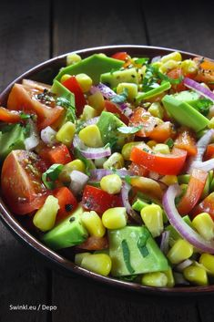 Salad with cucumber, tomato and avocado - Salad with cucumber, tomato and avocado by Gino Descamps - Avocado Brownies, Avocado Smoothie, Avocado Dessert, Avocado Toast, Clean Eating, Avocado Salat, Cucumber Salad, Grilled Tomatoes, Energy Snacks