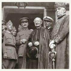 Franco, Queipo de Llano y el obispo de Salamanca en 1936