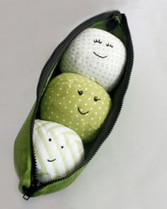 Pea pod toy (not a pattern; inspiration only)