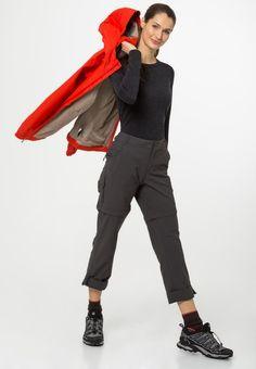 ¡Consigue este tipo de pantalón básico de The North Face ahora! Haz clic para ver los detalles. Envíos gratis a toda España. The North Face EXPLORATION Pantalón de tela asphalt grey: The North Face EXPLORATION Pantalón de tela asphalt grey Ofertas   | Material exterior: 95% nylon, 5% elastano | Ofertas ¡Haz tu pedido   y disfruta de gastos de enví-o gratuitos! (pantalón básico, basic, basico, basica, básico, basicos, casual, clasica, clasicas, clásicas, clásicos, clásica, bási...