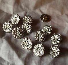 20.50 Tudor Rose, Grey Roses, Henry Viii, Hand Cast, Red Gold, Pewter, Medieval, Vintage Fashion, Stud Earrings