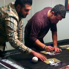 Sports: Photo shows Manziel signing | Ye Olde Journalist