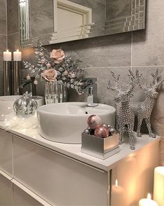 More About Beautiful Bathtubs Do It Yourself bathroomremodelhouston bathroomrenovationskelowna brightbathroomideas 846958273657120522 Cosy Bathroom, Bathroom Decor Sets, Bath Decor, Bathroom Interior, Bedroom Decor, Bathroom Ideas, Silver Bathroom, Interior Decorating, Interior Design