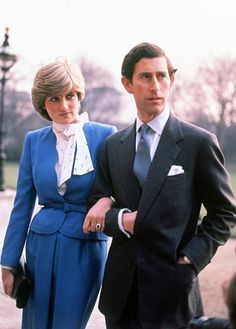 Princess Diana- or Lady Diana Spencer as she was then known- wore a sapphire-hued skirt suit to match her ring to announce her engagement to Prince Charles. Lady Diana Spencer, Spencer Family, Charles And Diana, Prince Charles, Princess Style, Prince And Princess, Prince Harry, Harrods, Summer Family Pictures