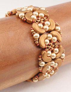 Beading Tutorial for Pearl Links Bracelet beading tutorials Beaded Jewelry Designs, Handmade Beaded Jewelry, Jewelry Patterns, Custom Jewelry, Earrings Handmade, Beaded Crafts, Metal Jewelry, Beading Patterns, Diy Jewelry