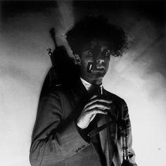 Fernando Lemos -  Alexandre O'Neill / Melhor Cachimbo que Chapéu, 1949, Fotografia a preto e branco, 60 cm x 50 cm