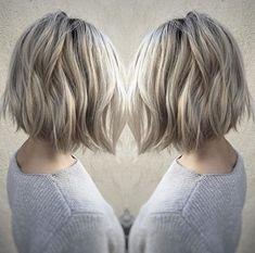 Krátké účesy jsou zkrátka originální! Co více, jejich údržba je rychlá a vskutku praktická. Ráno Vám postačí vlasy jen prohrábnout, nalakovat a můžete vyrazit do světa. Krátké vlasy působí zpravidla velmi mladistvě a svěže, což Vám dodá požadovanou změnu. Jen se podívejte sami, co dokáží krátké vlasy vyčarovat za krásu! print