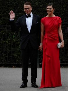 Crown Princess Victoria & Prince Daniel at the pre-wedding banquet ahead of the Cambridge wedding. RED---GORGEOUS!